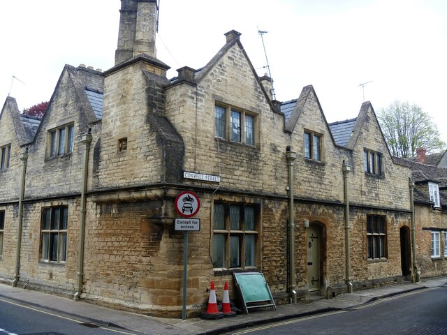 Cirencester houses [85]