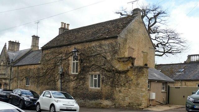 Cirencester houses [87]