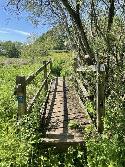 Footbridge near Moor Lane