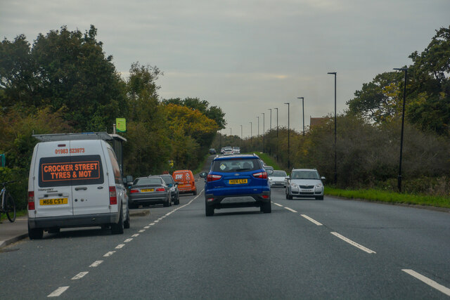 Newport : North Fairlee Road A3054 by Lewis Clarke