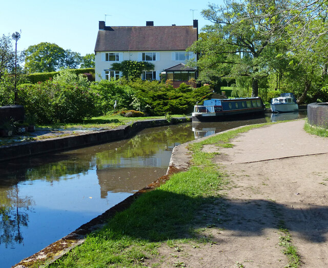 Worcester and Birmingham Canal north of Alvechurch