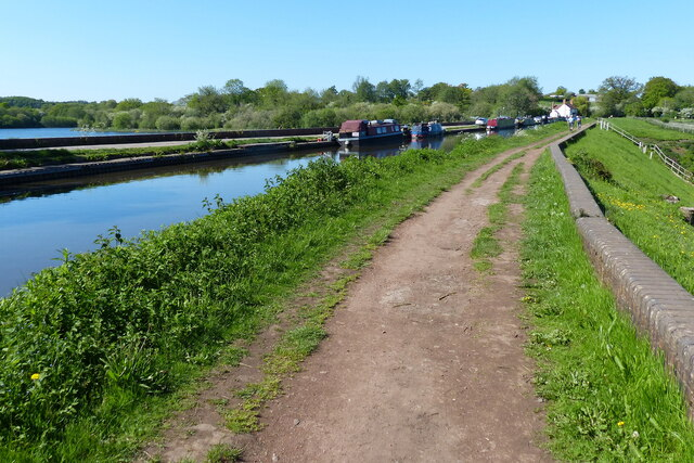 Towpath along the Worcester and Birmingham Canal