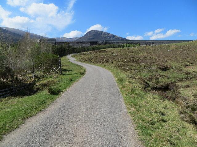 Glen Cannich - Minor road approaching Loch Mullardoch Dam