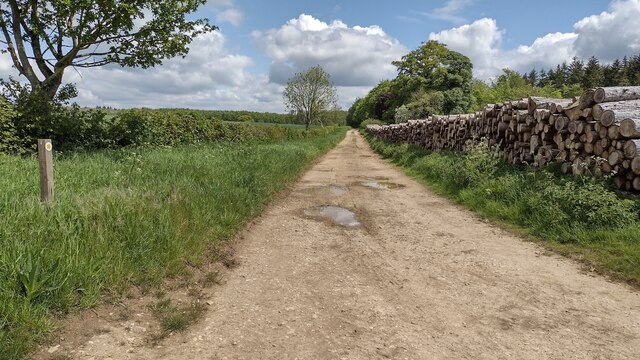 Path heading to Ditchley Park