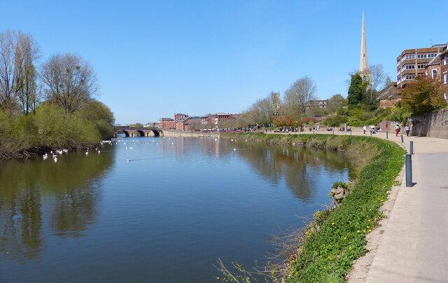 Kleve Walk along the River Severn, Worcester