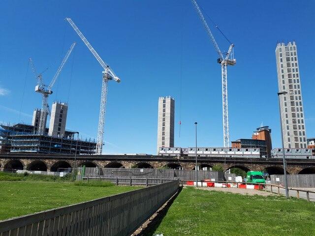 New blocks going up on Graingers Way