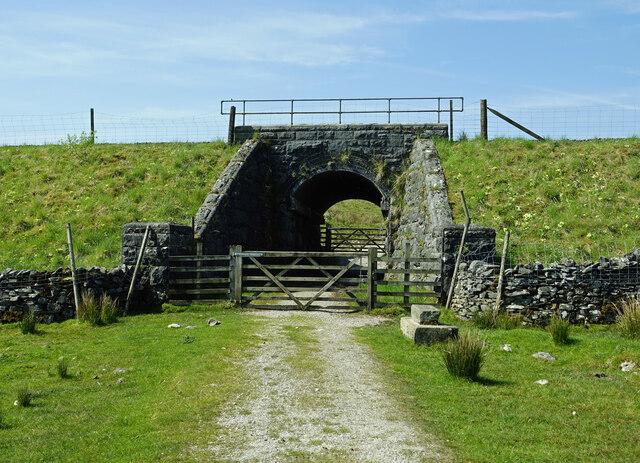 Railway bridge near Selside