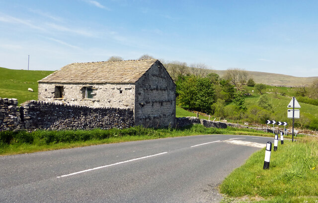 Stone barn near Selside