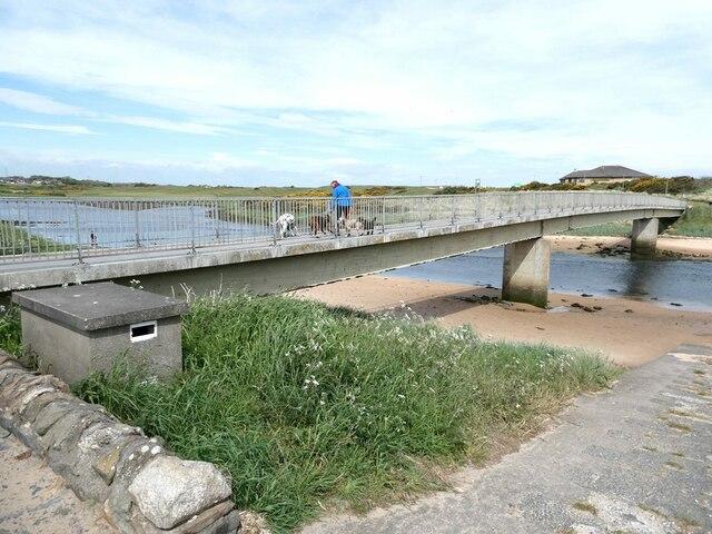 George Birnie Memorial footbridge