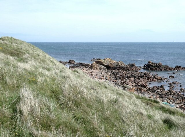 Rocky shoreline at Craigewan
