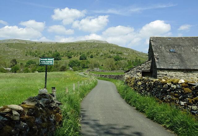Private road to Wharfe