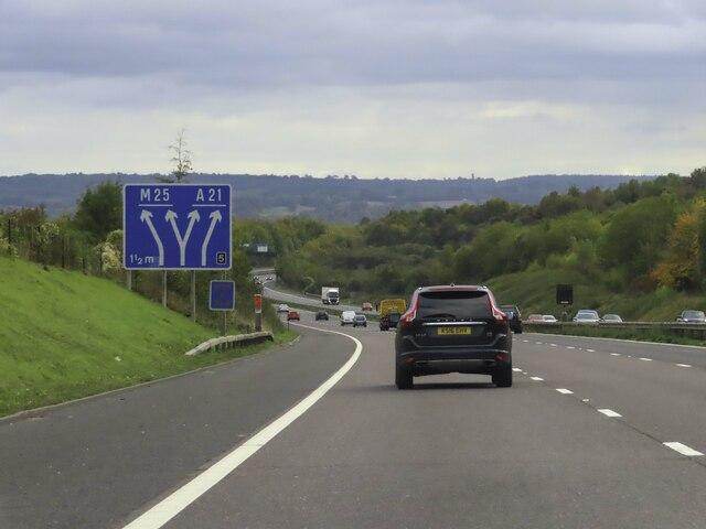 The M25 descending Polhill