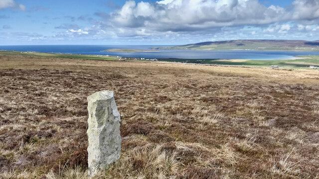 Standing stone, Huntis