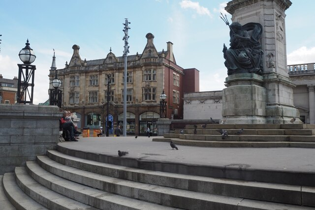 Steps and Victoria's plinth