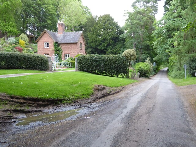 Lodge to Stanley Hall