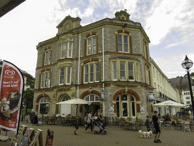 The Offshore Bar & Restaurant in Torquay