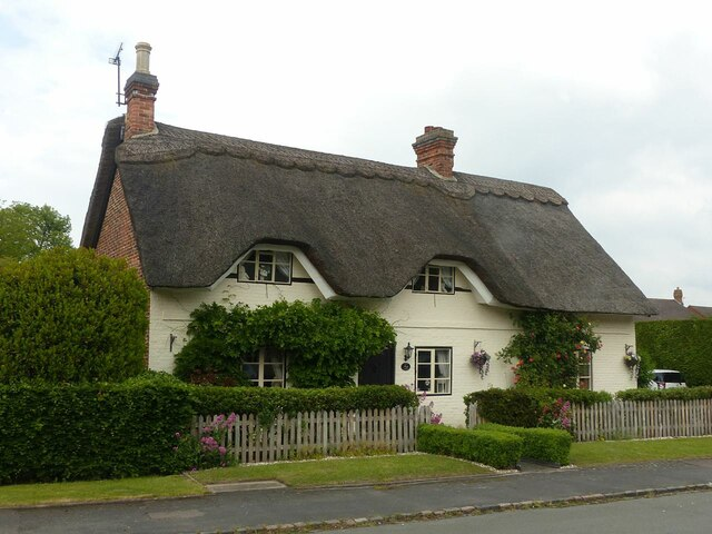 38 Manor Road, King's Bromley (Silver Thatch)