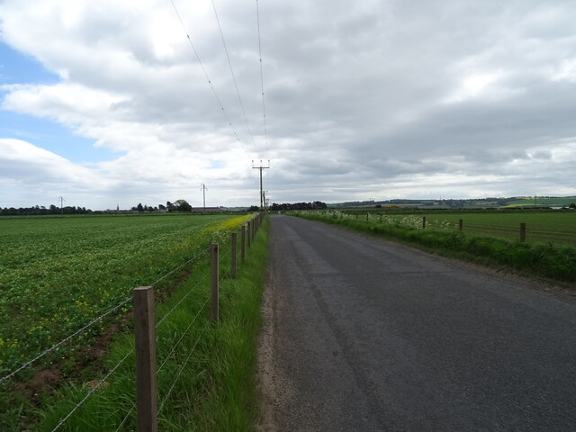 Minor road from Pugeston towards the A935 by JThomas