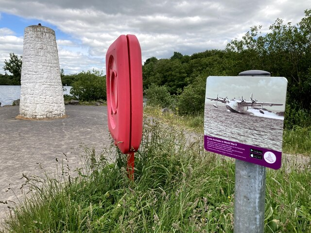 Beacon and information board, Castle Archdale