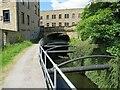 SE1415 : Huddersfield Narrow Canal, Huddersfield by Malc McDonald