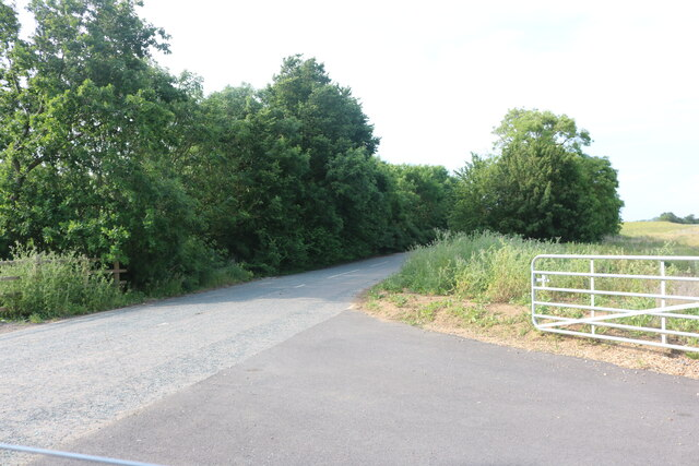 Farm track by Potton Road, Hilton