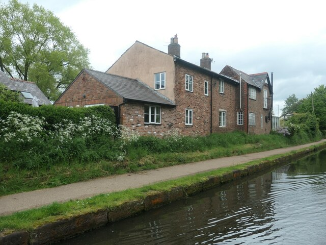 Canalside housing, off Seamon's Road