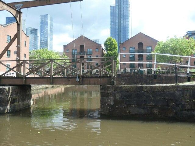 Private canal basin, east of Egerton Street bridge [no 100]
