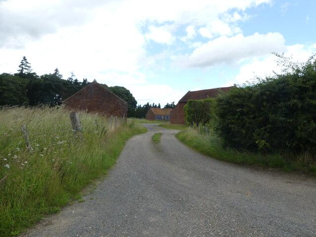 Entrance to Arch Farm, Farmyard