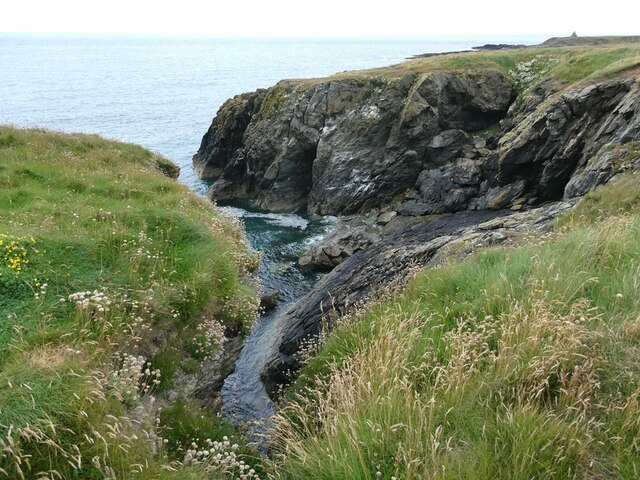 Small rocky inlet in the cliffs