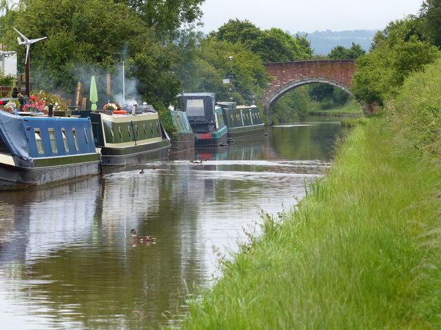 Narrowboats moored next to Nixon's Bridge No 114