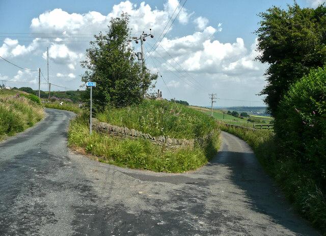 Road junction on Laund Road, Slaithwaite