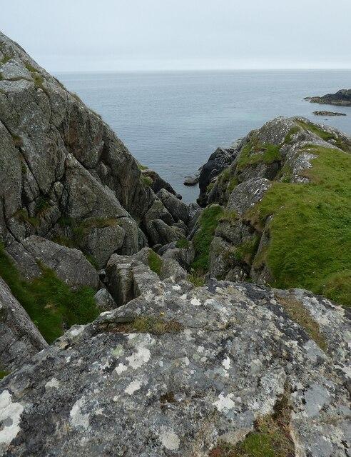 Tiree - Hynish - Rocky coastal inlet