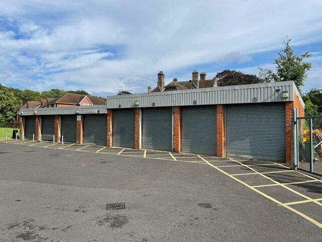 Whiteditch Depot - Basingstoke & Deane Council by Sandy B