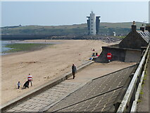 NJ9505 : The beach at Footdee, Aberdeen by Mat Fascione