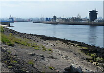 NJ9505 : The River Dee and Aberdeen Harbour by Mat Fascione