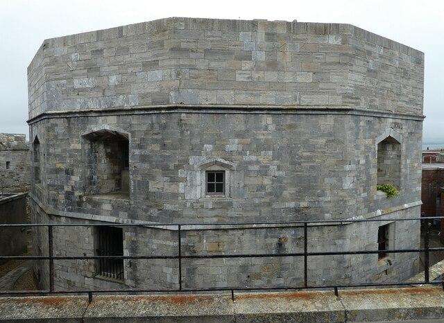 Hurst Castle - Henrician 12-sided keep