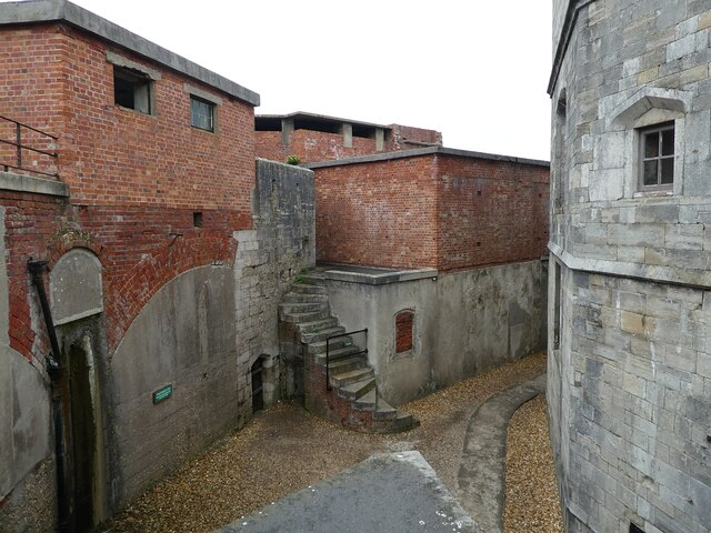 Hurst Castle - Courtyard between keep and curtain wall