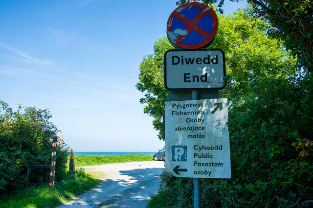 Parking signs at Aber-Ogwen