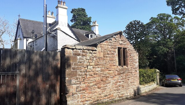 Hill House with attached outbuilding, NE side Caldew Road