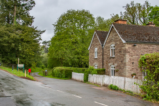 Lodge Cottages