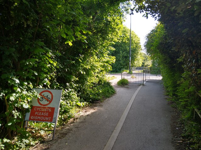Barrier Chicane on NCN33 at The Barrows, Weston-super-Mare