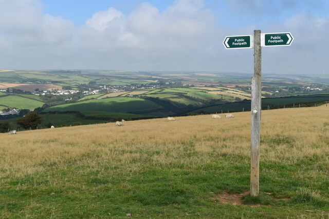 Footpath sign near summit between Croyde and Saunton by David Martin