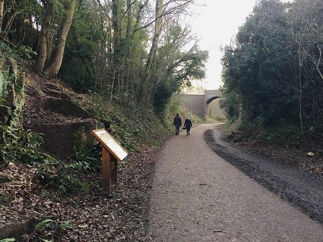 Kenilworth Greenway turns south, Crackley, Kenilworth