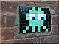 SP3072 : Space Invader mosaic, Common Lane, Kenilworth by Alan Paxton