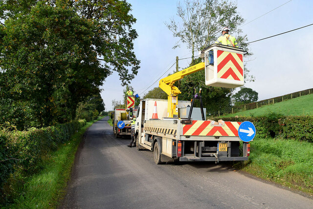 Fitting overhead fibre cables along Tonnagh Road