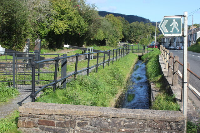 Overflow channel & path by Clun Isaf Lock