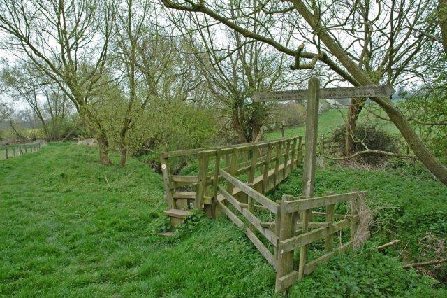 Footpath near Kingsbridge picnic area.