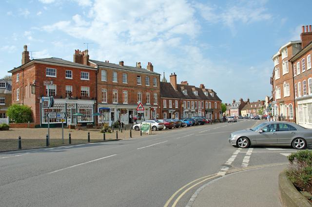 Woburn, Bedfordshire village centre