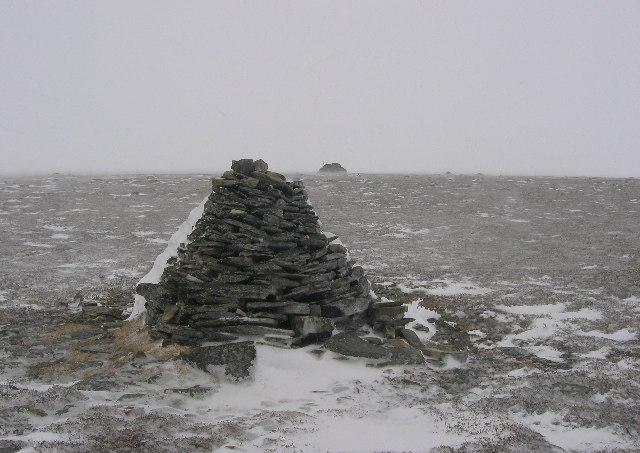 Summit of Meall an Lundain