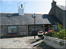 NJ9505 : Cottages in Footdee by Lizzie